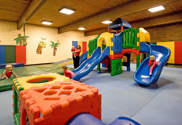 Kids indoor play area explore ymcatwincities 39 photos on for Indoor play area for kids