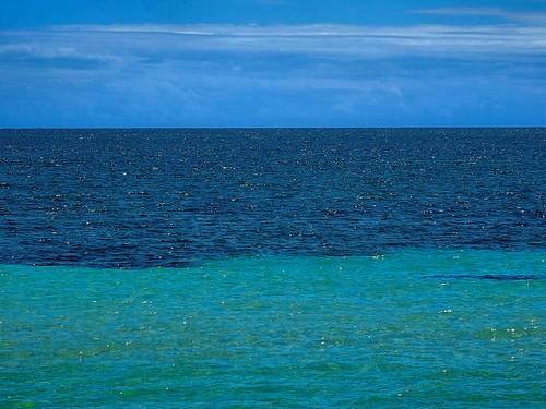 mar céu nuvens