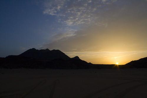 sahara expedition sand desert dunes egypt wadi sora kebir gilf