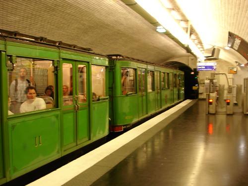 Église d'Auteuil métro
