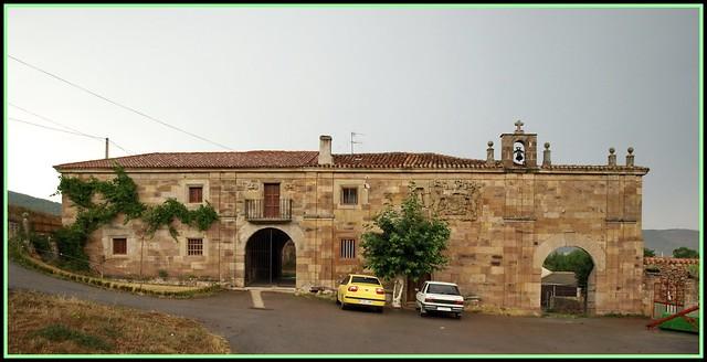 Henestrosa de las Quintanillas (Valdeolea, Cantabria). Palacio de la Corralada