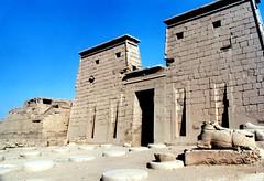 2001.01 EGYPTE - karnak - le temple de Khonsou