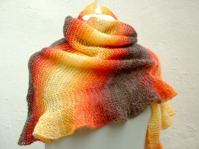 ABC Knitting Patterns - Autumnal Triangle Shawl.