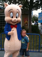 walt disney world(0.0), resort(0.0), inflatable(0.0), park(0.0), mascot(1.0), amusement park(1.0),