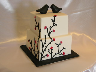 Black and White Vine Wedding Cake
