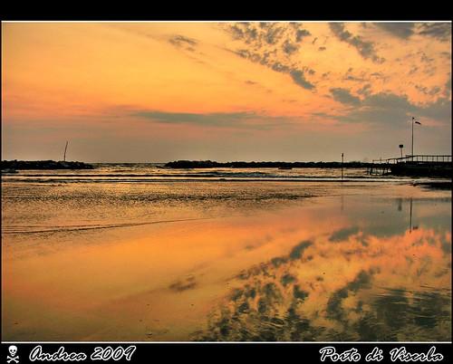 auto nikon mare alba natura rimini bella sole reflexions rosso colori bianco ritratto tempo hdr forme città sabbia adriatico riflesso e8700 viserba