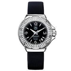 hand(0.0), watch strap(1.0), watch(1.0), strap(1.0),