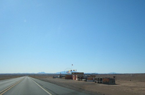 REZ, vanishing point, highway, yellow line,… IMG_1404