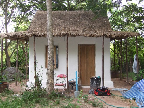 Thai adobe cob style of home - How to build an adobe house ...