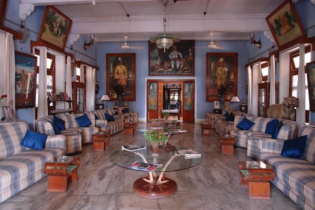 Hall del Bhanwar Vilas Palace de Karauli, un lugar que no invita a estar relajándose ... Karauli, el día que me convertí en un Maharajá en la India - 4172568776 b9f0bab3ed z - Karauli, el día que me convertí en un Maharajá en la India