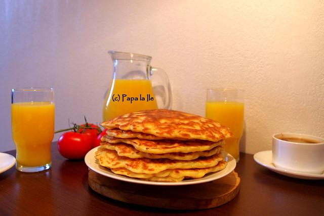Pancakes cu cascaval si sunca (10)