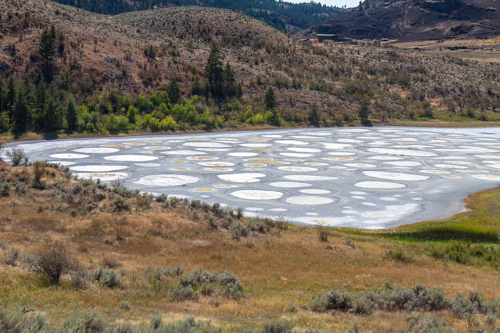 Okanagan. Spotted Lake