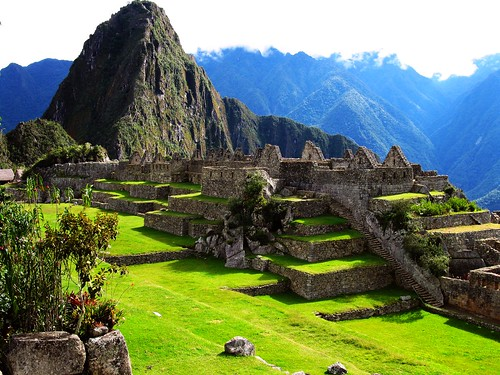 travel green peru grass inca landscapes stones inka pierres machupicchu perou scenicsnotjustlandscapes worldtrekker peruvianimageshistoryculture worldwidetravelogue kimimago