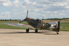 monoplane, aviation, airplane, propeller driven aircraft, vehicle, supermarine spitfire, fighter aircraft,