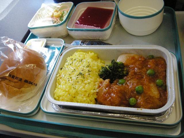 ガルーダ・インドネシア航空の機内食(昼食:チキン)