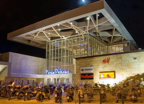 Lombardo stop ai centri commerciali mobilita palermo for Mobilita palermo