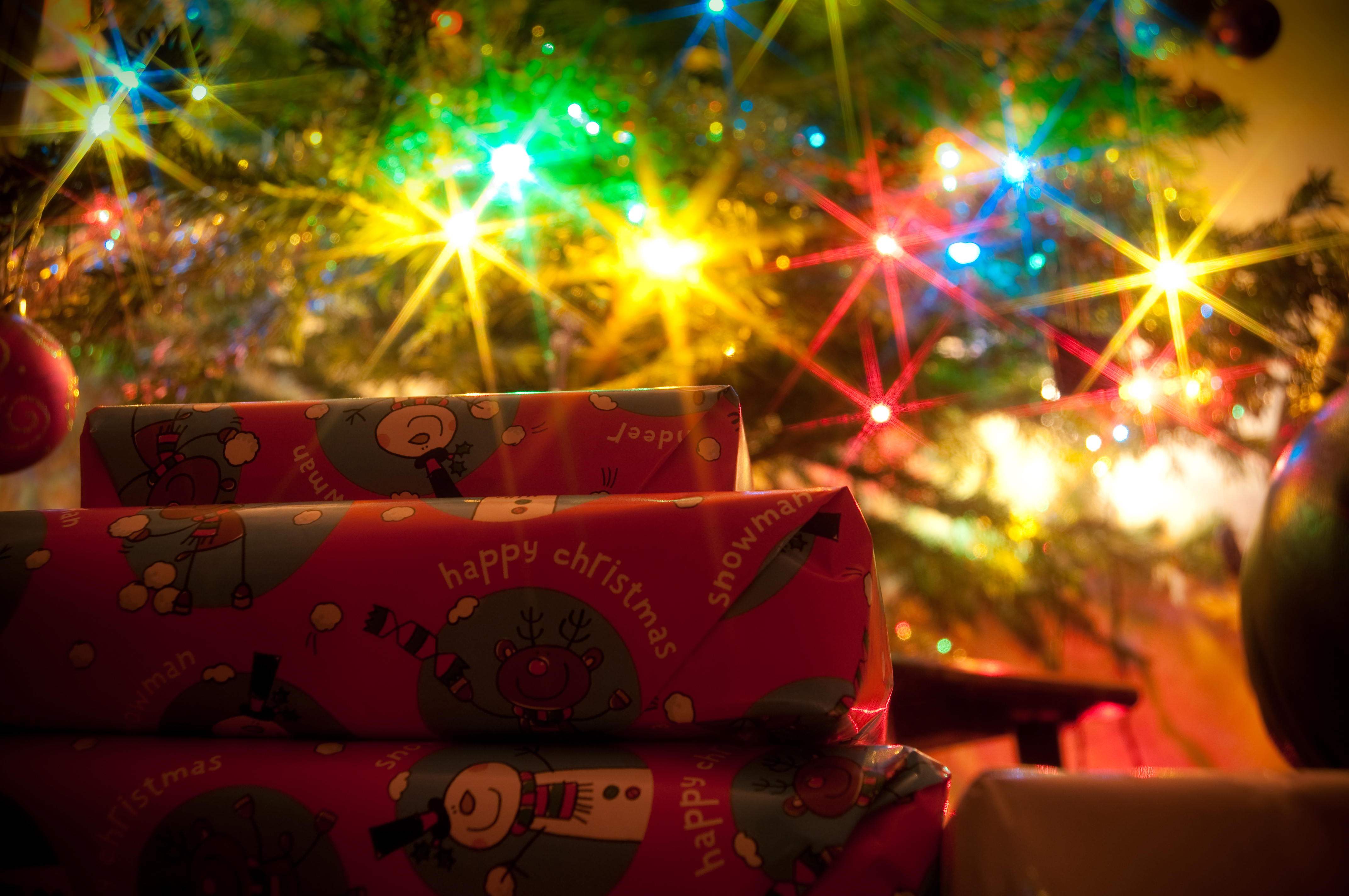 Traveling Over Christmas Packages Good Or Bad