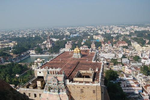 Aussicht über den Shiva Tempel von Trichy nach Sri Rangam