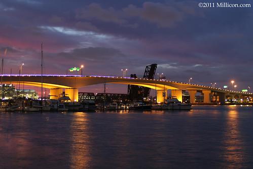 7148 Acosta Bridge at Sunset