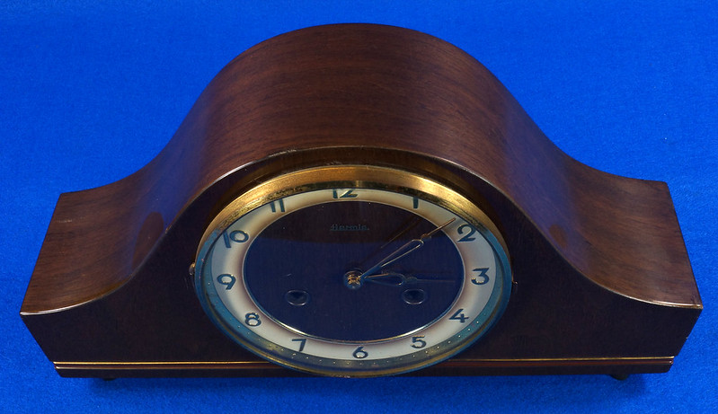 RD15275 Vintage 1941 Franz Hermle Germany Clock 2 Jewel Movement 150-010 with Original Tag DSC08972