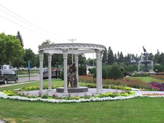 Munsinger Park and Clemens Gardens