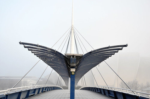 Bridge with wings