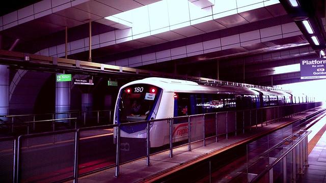https://foursquare.com/v/rapidkl-putra-heights-ph21kj37-lrt-station/4f4b5599e4b07165fc298bd1 #travel #holiday #Asia #outdoor #train #railwaystation  #Malaysia #selangor #puchong #PutraHeights #度假 #旅行 #亚洲 #马来西亚 #雪兰莪 #火车站