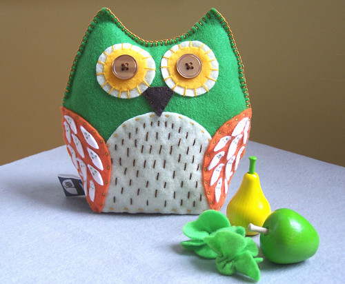 That Seventies Owl - Secret pocket Owl Plush