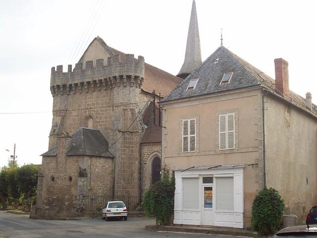 Eglise fortifiée, Bonnat, Creuse.