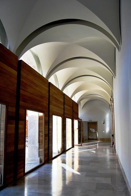 arquitectura alcala de henares 14b parador de alcal de henares colegio de santo tom s claustro 22853 flickr photo sharing