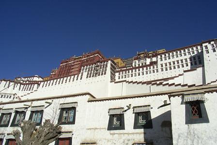 Potala, centre of Lhasa, Dec 2007