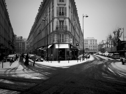 Snow over Paris