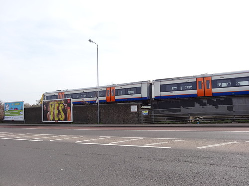 059 - Overground Train near Blackhorse Road station