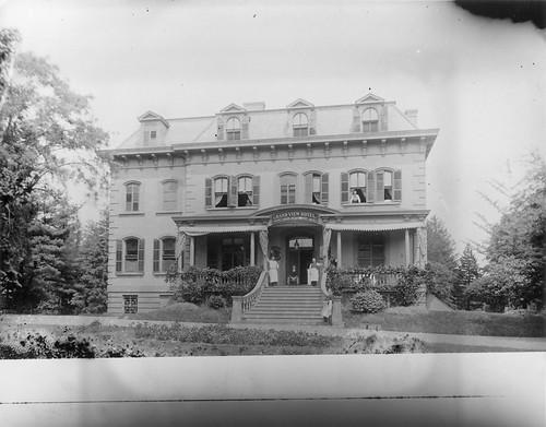 John Jockers' Grand View Hotel, College Point, ca. 1895