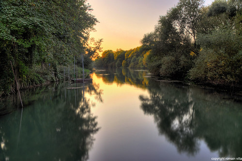 park longexposure autumn sunset paris france reflection nature water seine forest automne river de landscape atardecer la soleil boat nikon eau long exposure tramonto riviere villa bateau paysage et 77 foret parc reflets romain hdr barque couché marne noisiel d90 parcdenoisiel romainvilla romvi