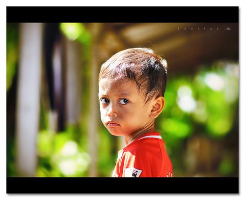 portrait blur face kids nikon dof emotion bokeh nikkor d300 af85mmf18d azralfikri shazral adammukhriz