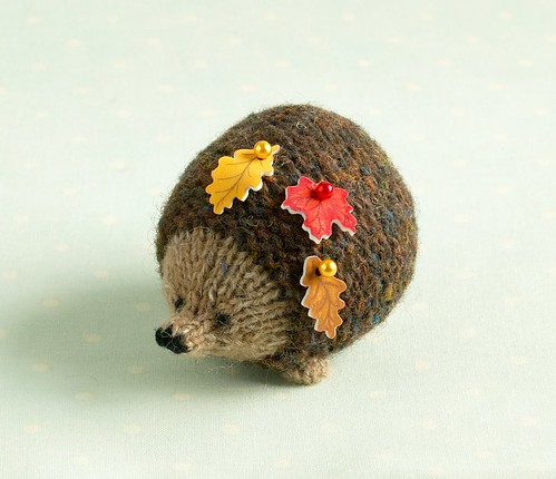 autumn hedgehog pincushion
