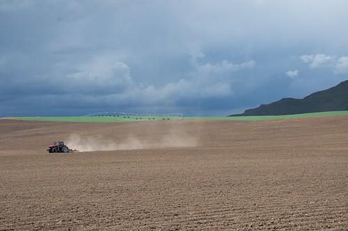 tractor field unitedstates awesome farming idaho silvercreek plowing picabo photosincache