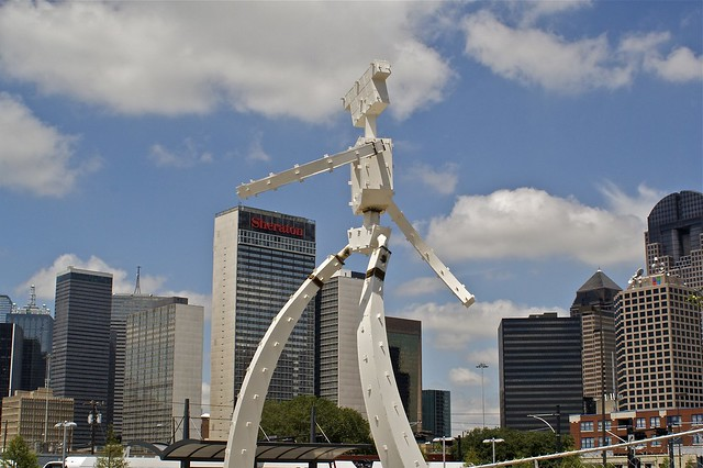 Giant Robot Attacks Downtown06