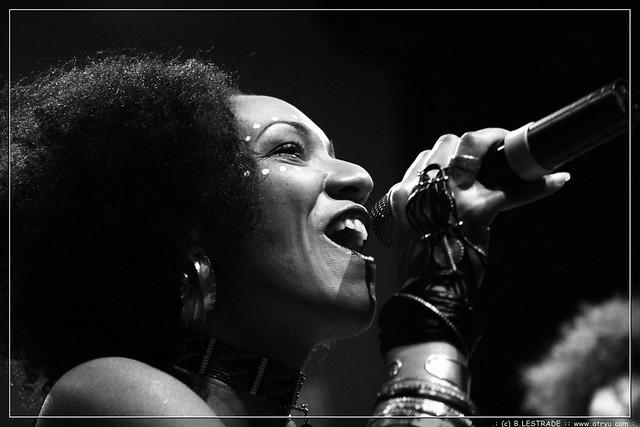 Les nubians divan du monde paris flickr for Divan singer