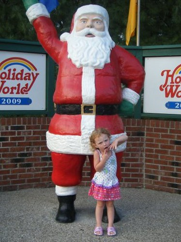 Avery Lee and the Santa statue