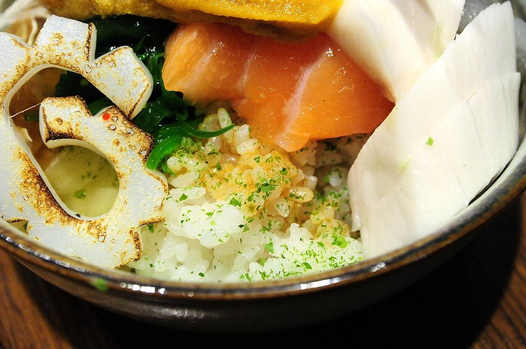 大漁生魚片蓋飯
