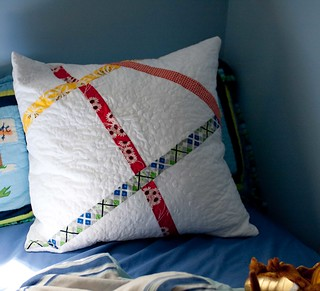 a pillow to go with the quilt