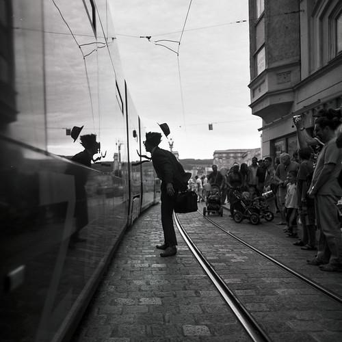 Männern und Straßenbahnen soll man nicht nachlaufen, es kommen immer wieder neue.