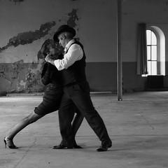 tango, b+w