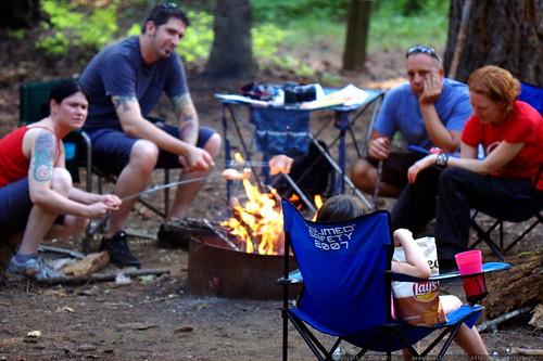 roasting salmon around an open fire    MG 9588