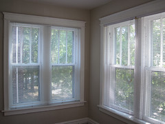 door(0.0), window treatment(1.0), daylighting(1.0), window(1.0), sash window(1.0), window screen(1.0), room(1.0), ceiling(1.0), window covering(1.0), window blind(1.0), interior design(1.0), real estate(1.0),