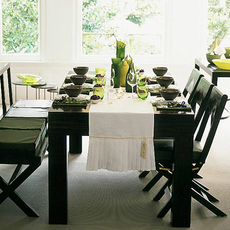 Dining table dining table settings pictures for Dining room setup ideas