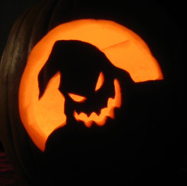 Oogie Boogie Pumpkin Template http://www.flickr.com/photos/the1pony/4059910570/