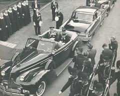 Kong Olav V etter signingen (1958)